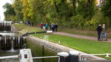On the towpath at the Caen Hill flight, October 2018