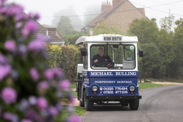 Michael Bulling the Milkman-0244